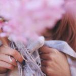 春コートレディースの選び方!タイプや色、秋コートとの違い、ママ向けコートもご紹介!